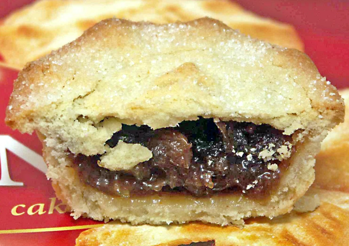 The interior of a mince pie showing the mincemeat