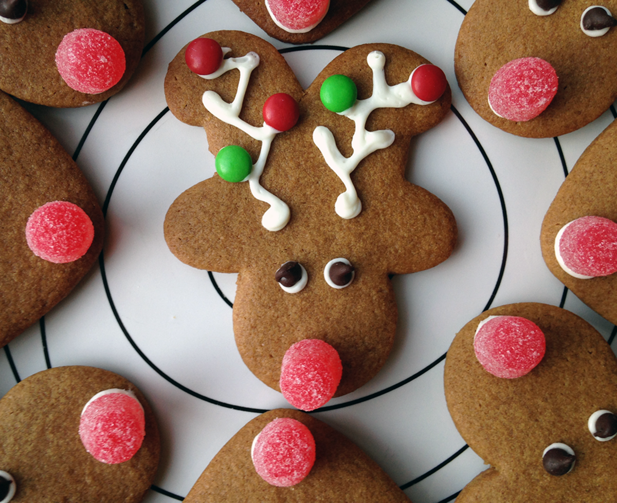 Reindeer-Shaped Holiday Treats for Santa