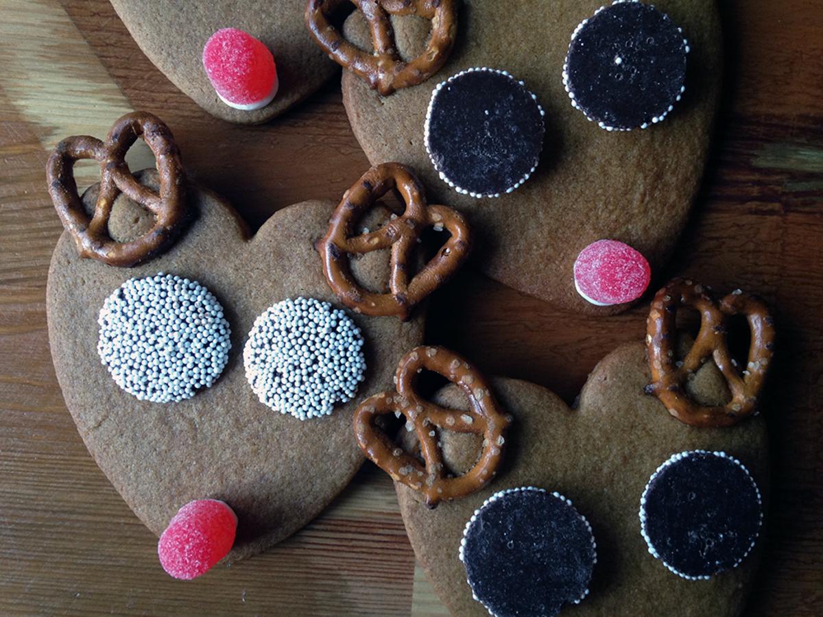 Reindeer Pretzel Cookies