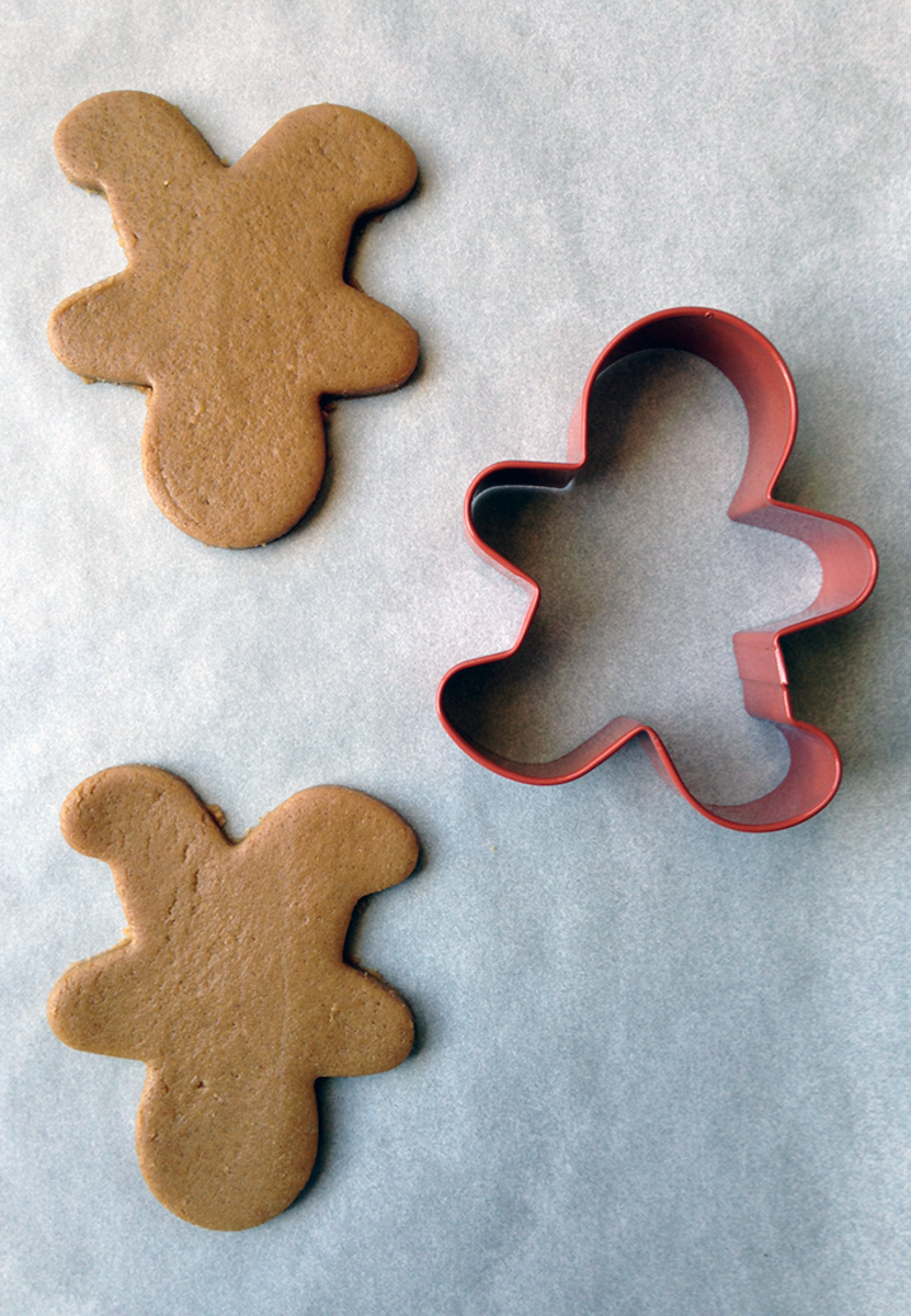 How to Make Reindeer-Shaped Cookies With a Gingerbread-Man Cookie Cutter
