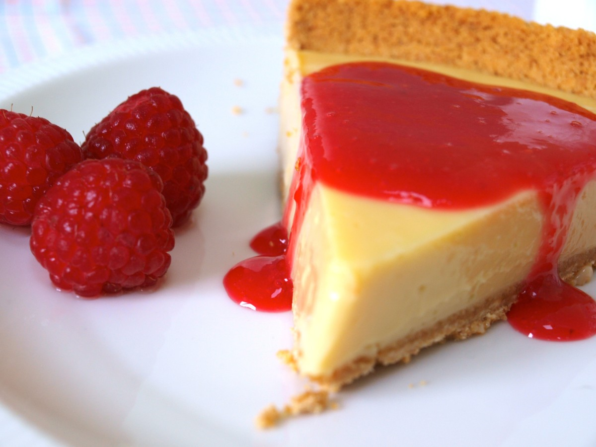 Key Lime Pie with a Raspberry Coulis