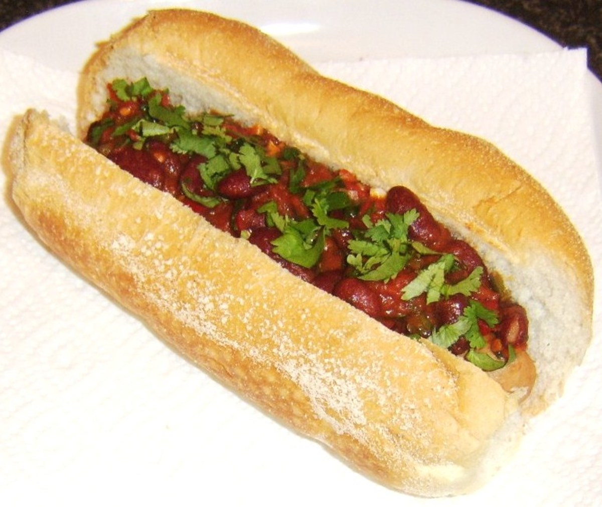Spicy red kidney bean chilli hot dog
