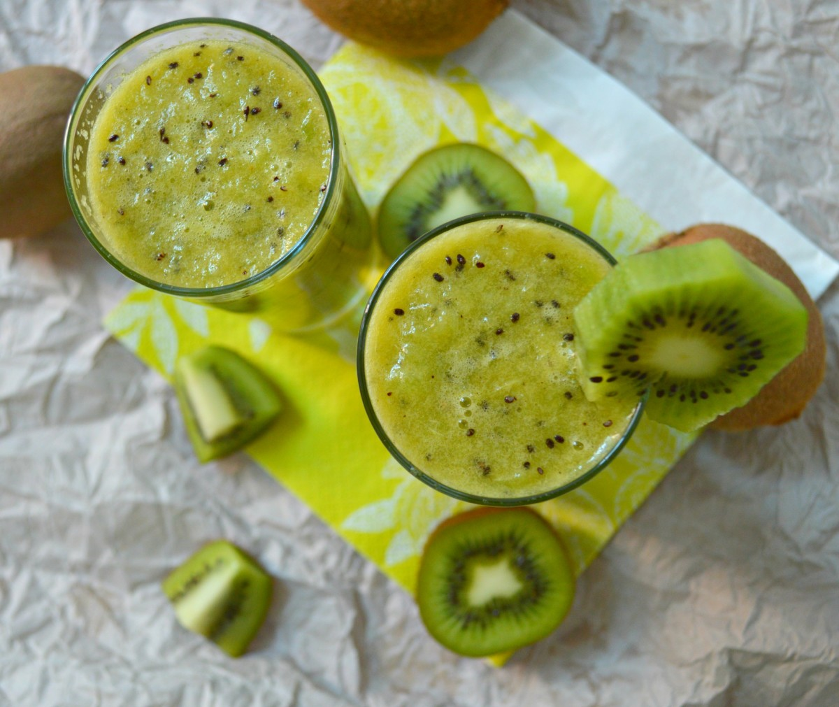 Next time you want to juice kiwis, think twice! Blending them for a few seconds only ensures the seeds remain whole and the drink looks buzz-worthy!
