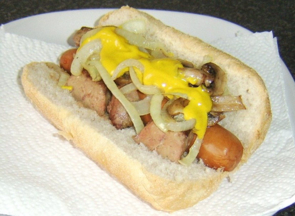 Sliced ox liver, mushrooms, onion and mustard dog