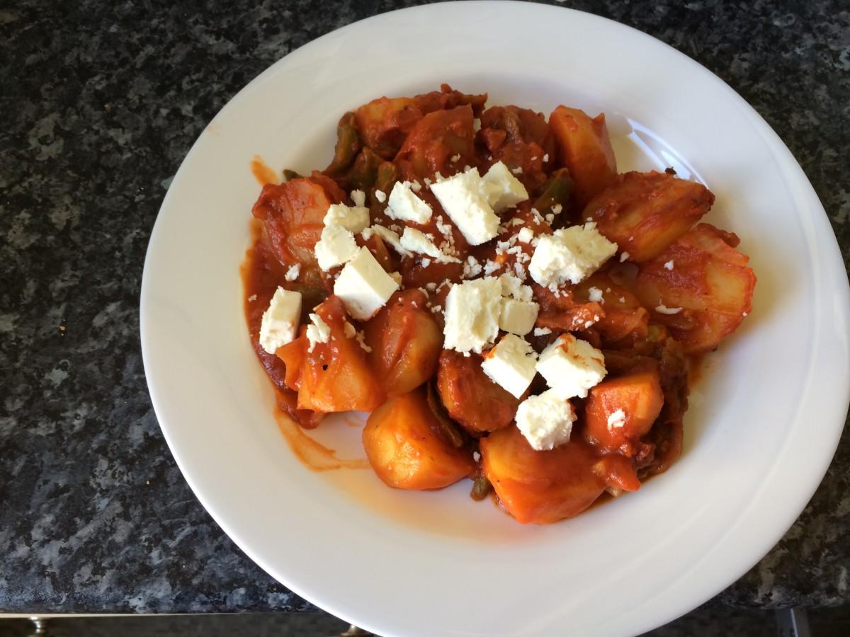my-greek-grandmas-recipes-potatoes-in-tomato-sauce
