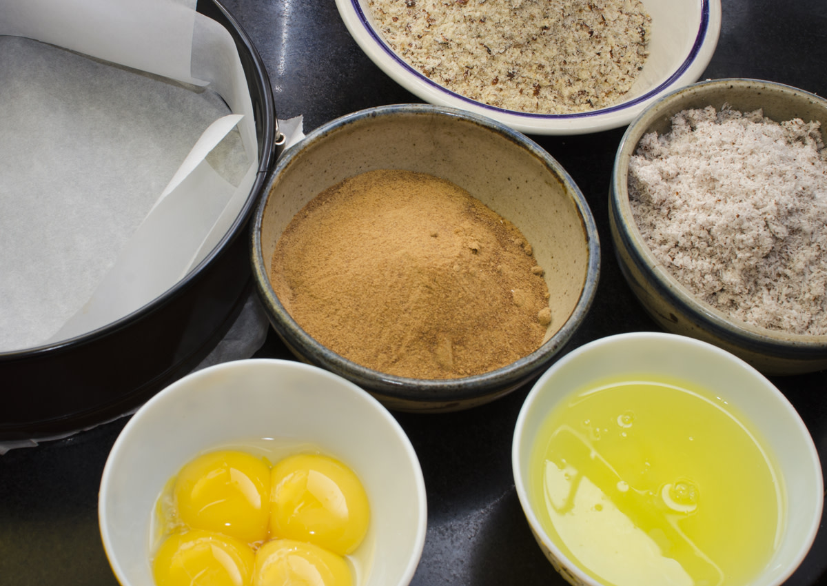 The ingredients for the cake.