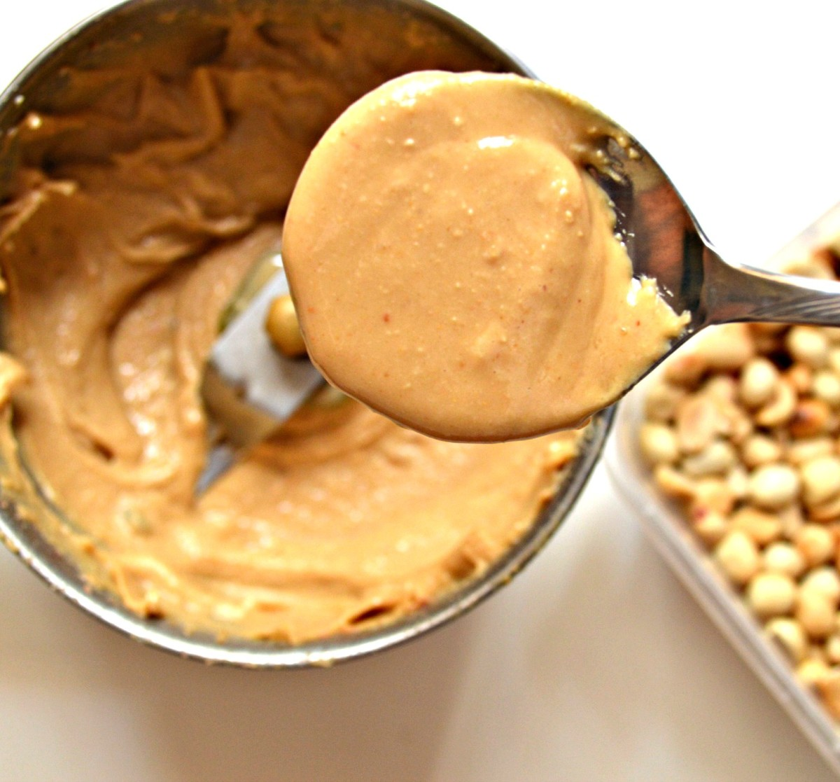 Wow! Look at that yummy spoonful of peanut butter! Yes, I licked it up right after I took that photo!