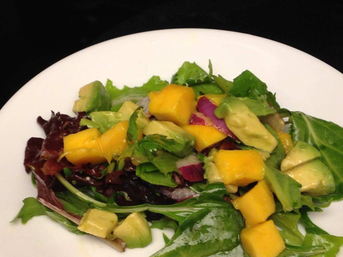 Mango, Avocado, and Cilantro Salad with Spring Mix greens