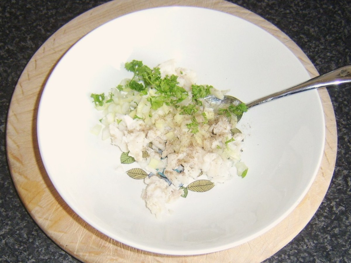 Combining and seasoning conger eel, onion and parsley