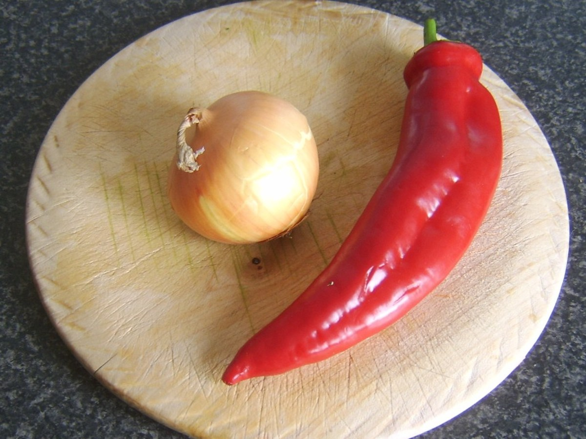 Sweet pointed pepper and onion
