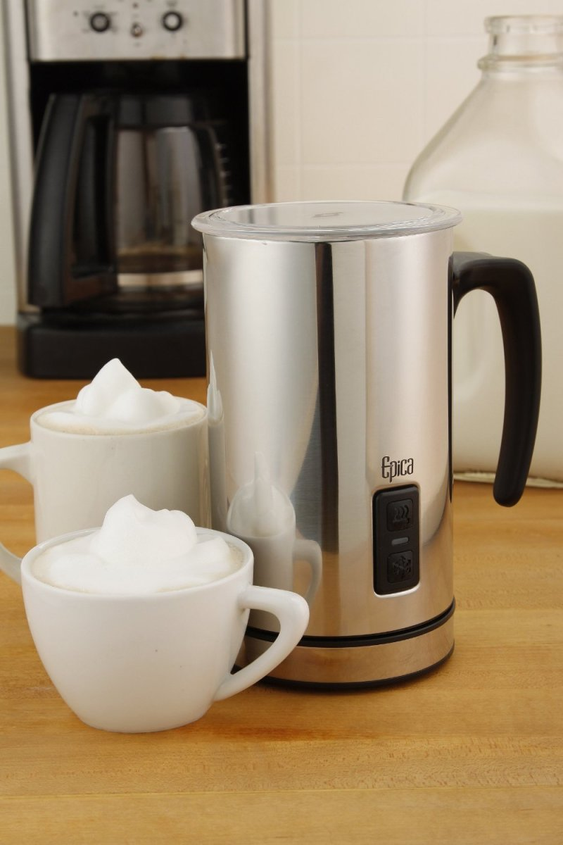 Constructed from stainless steel, the Epica Automatic makes making creamy, thick foam easy.  The carafe is detachable for versatile and easy use.  Ideal for use on an everyday basis, or at a dinner party.