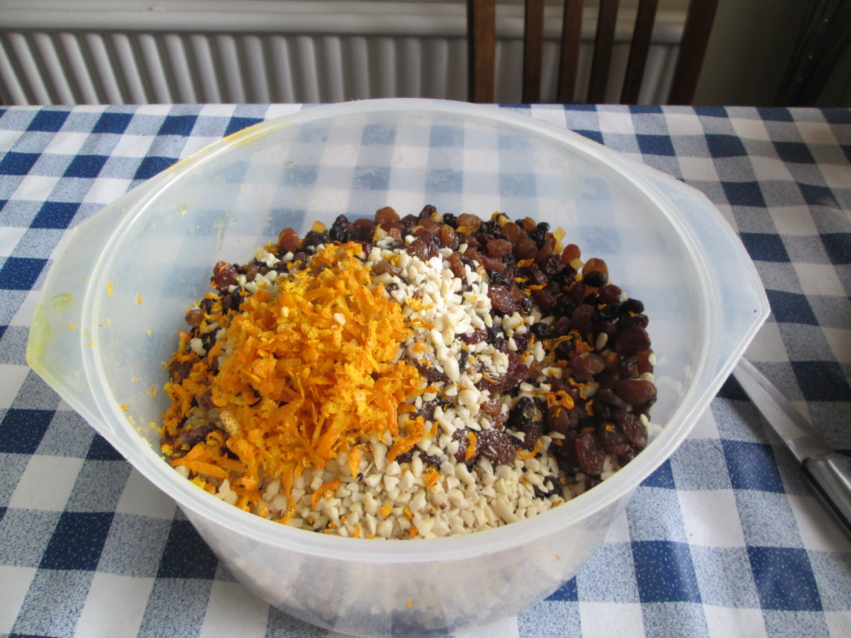 Mix the dry ingredients for the fruitcake.
