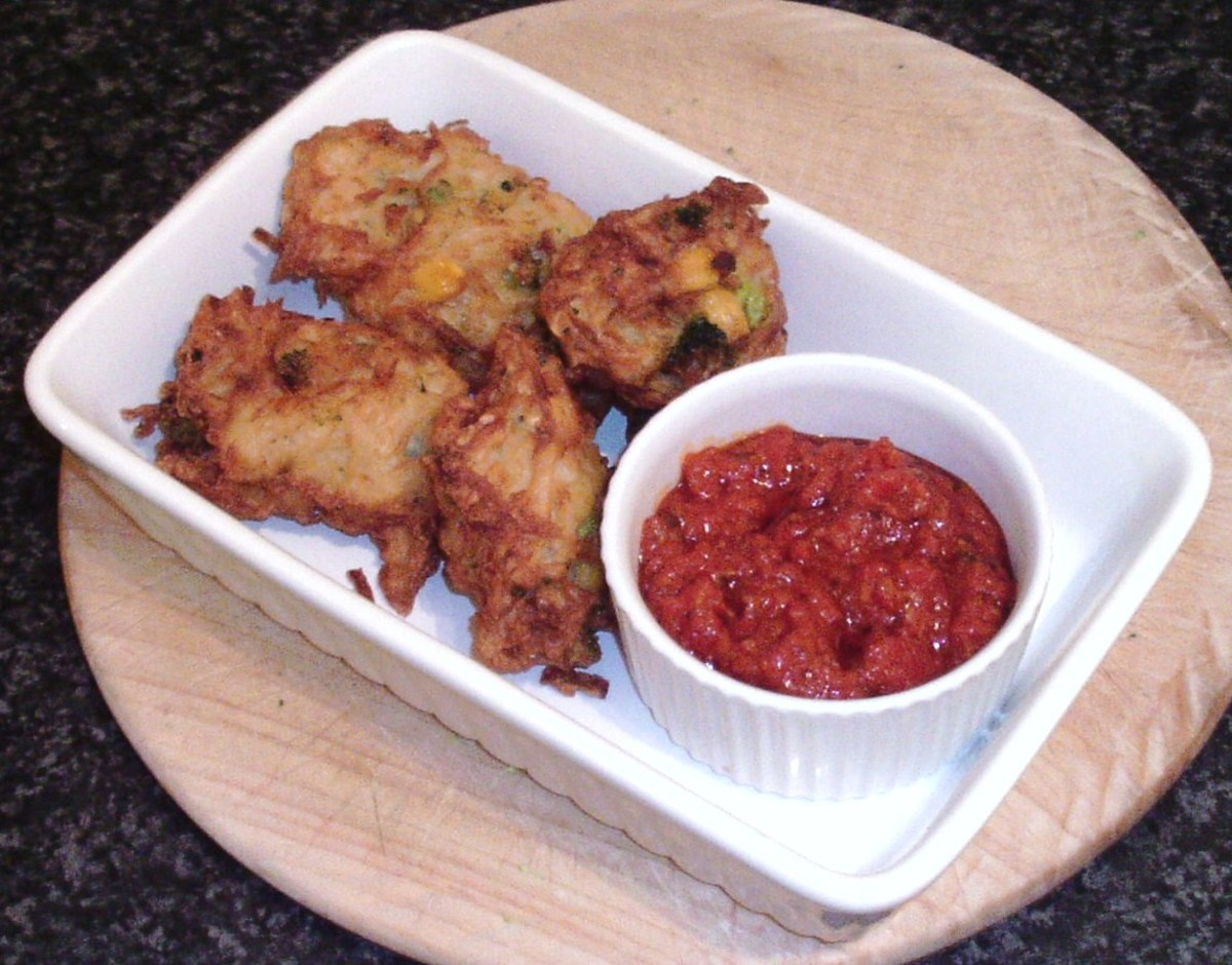 Tasty and crunchy broccoli, sweetcorn and potato fritters with an authentic, homemade pizza sauce dip