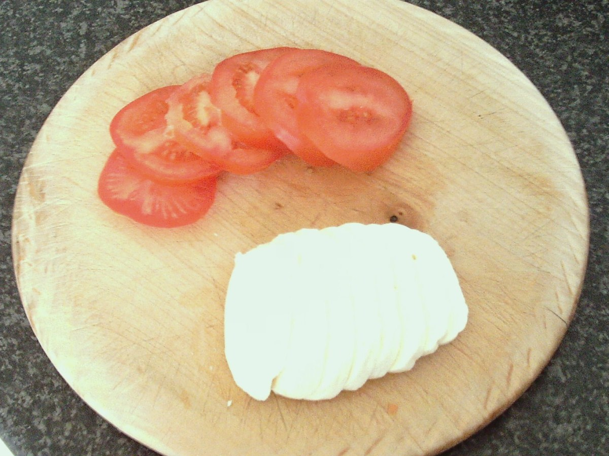 Tomato and mozzarella is sliced