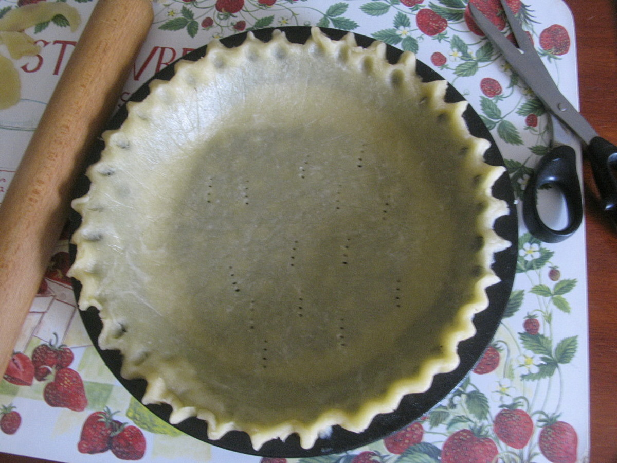 Fluted edges on pie crust
