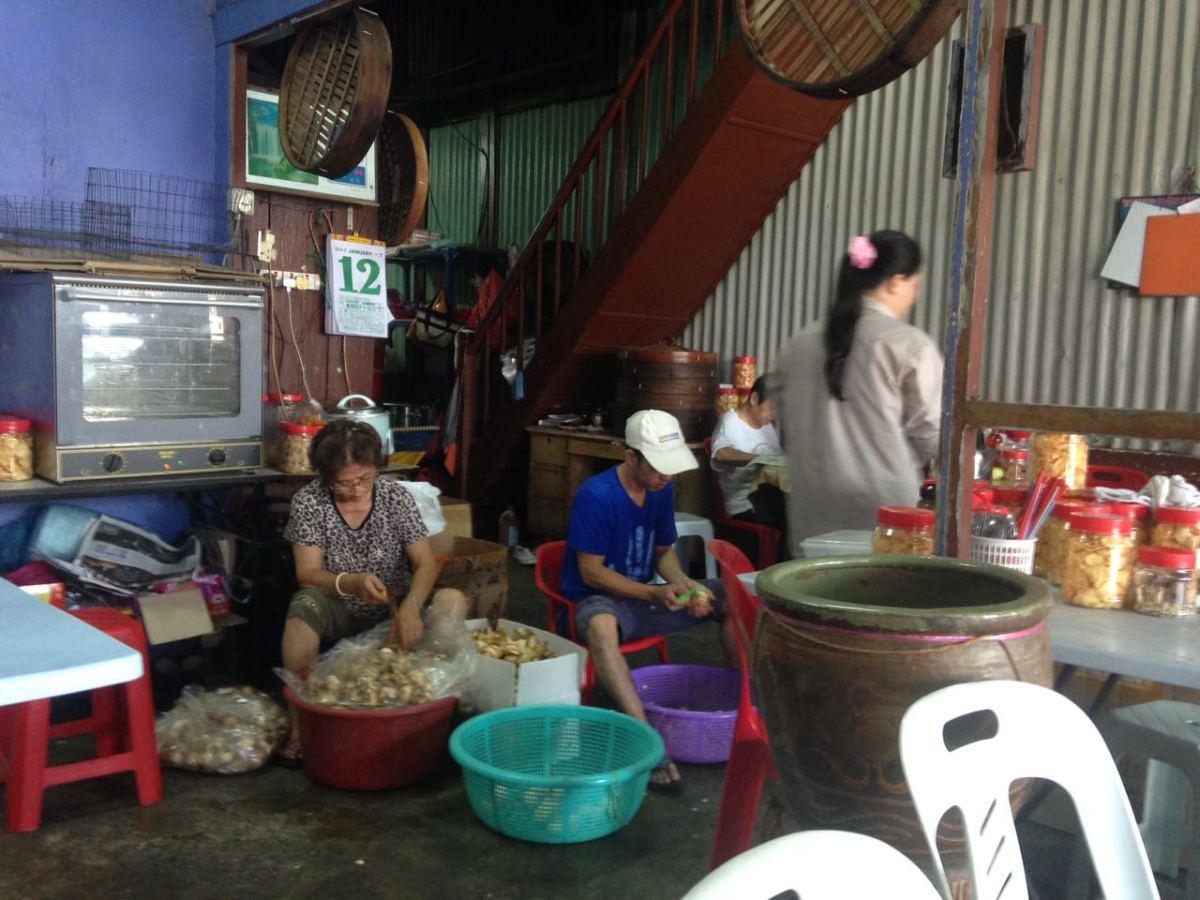 Arrowhead chips at the morning market