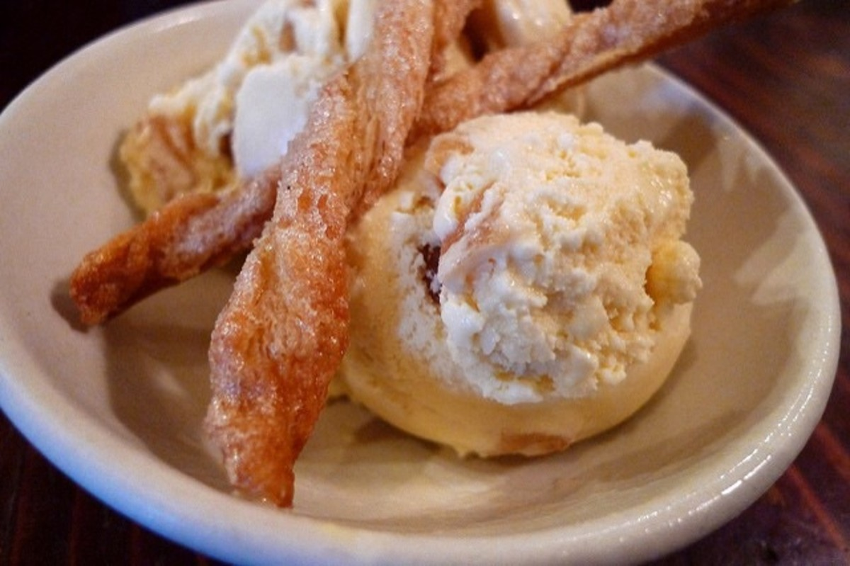 Homemade apple pie ice cream
