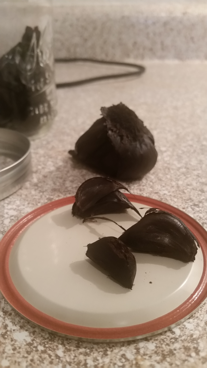 how-you-can-make-black-garlic-at-home-with-a-crockpot