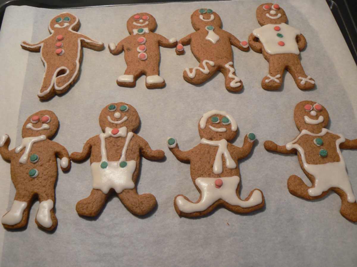 Gingerbread Boys and Girls Cookies