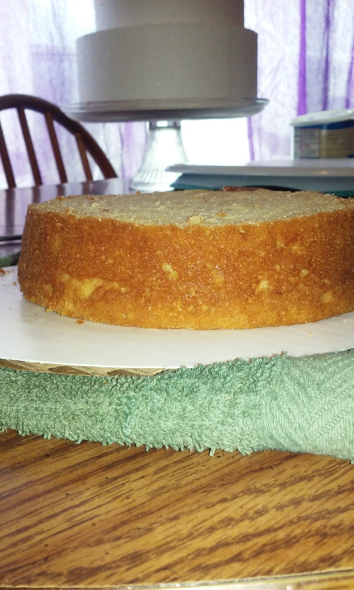 There's something so satisfying about a perfectly level cake just sitting there, begging me to make it beautiful.