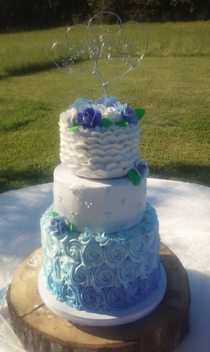 All the textures on this wedding cake were achieved with only buttercream.