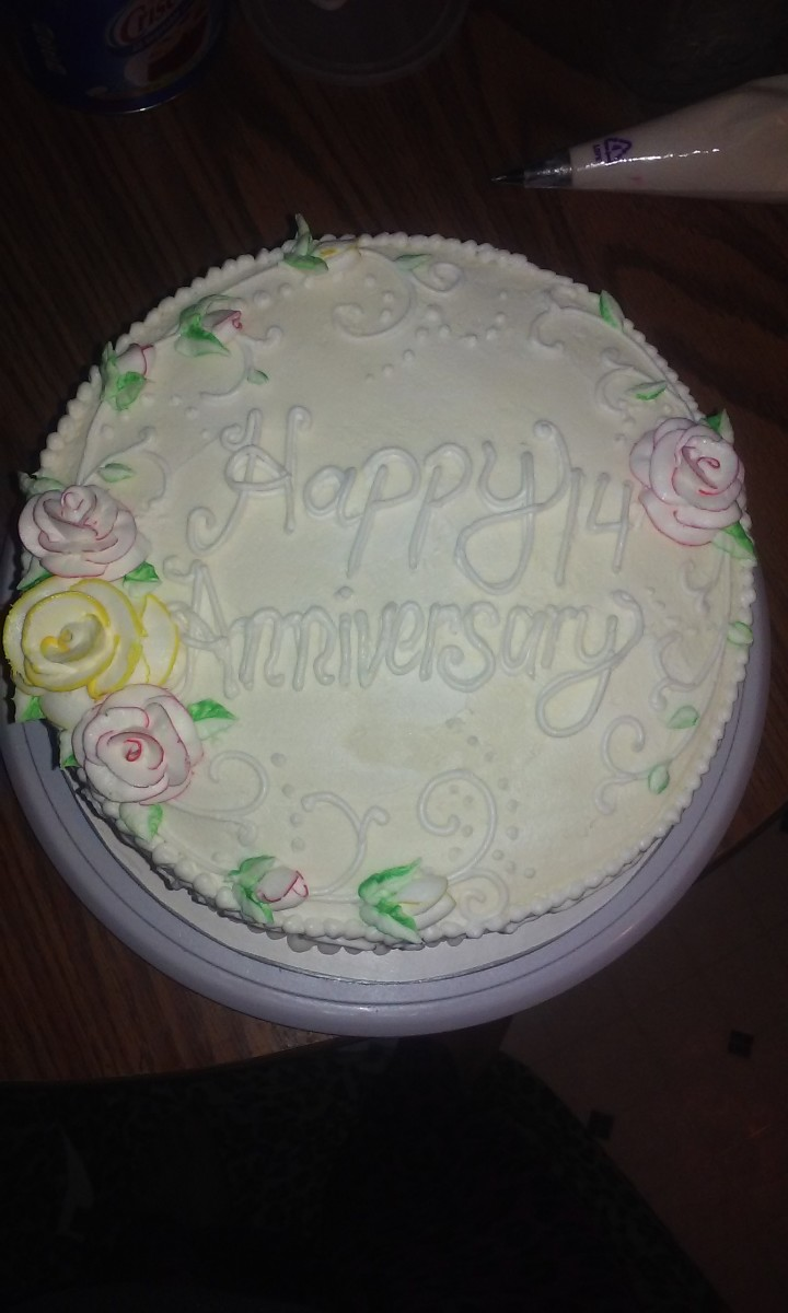 My writing sucks, but you can see how smooth and creamy the buttercream result is in this picture.