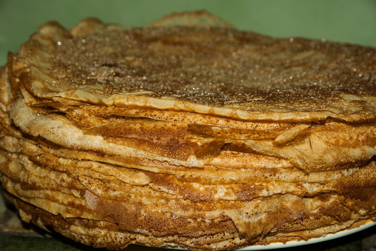 Using a multipurpose whey protein powder will allow you to add protein to many dishes! Just like these pancakes!