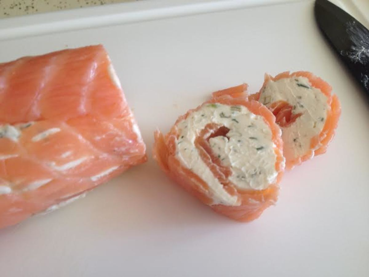 When sliced, you can see the nice pinwheel design that you created in the salmon roll.