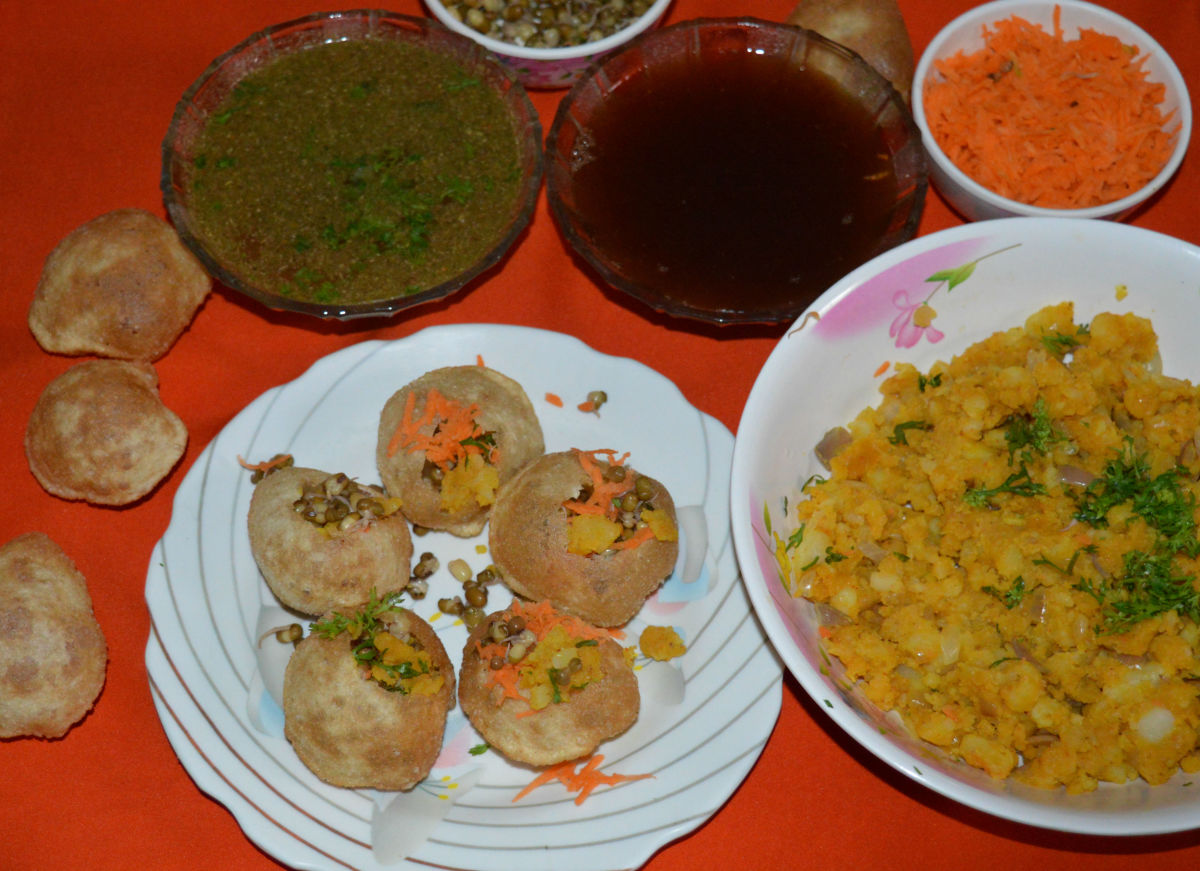Panipuri served on a plate, just ready to pour 'pani' into it