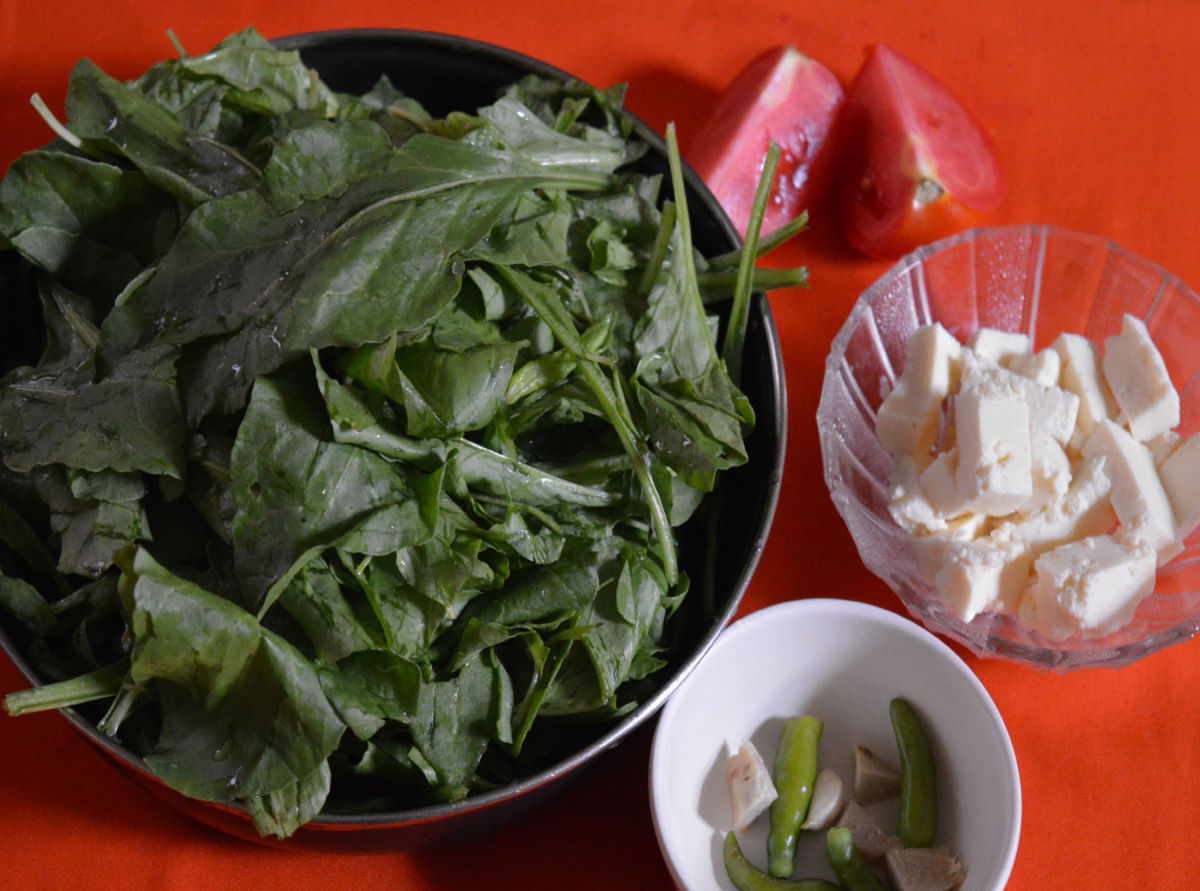 Ingredients for Spinach and paneer curry