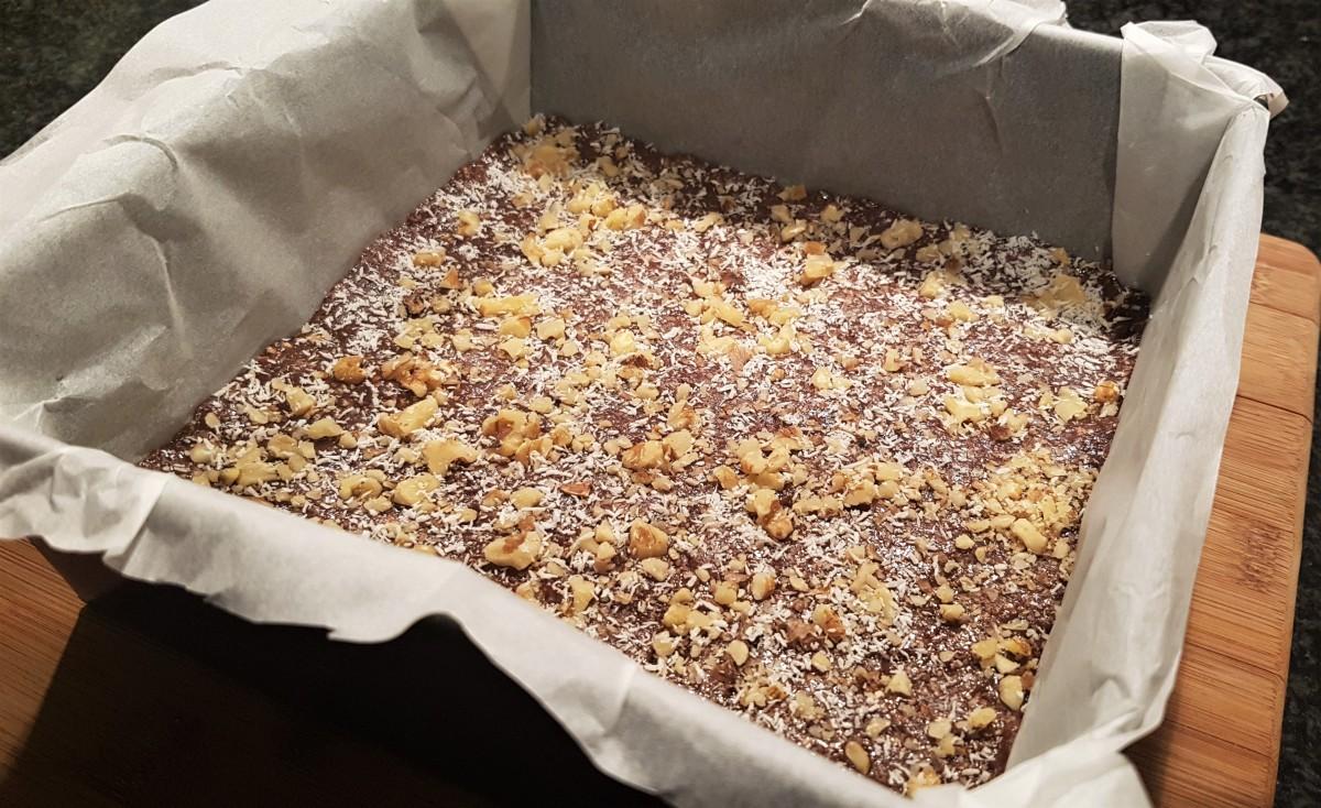 chocolate-coconut-walnut-no-bake-protein-bar-recipe