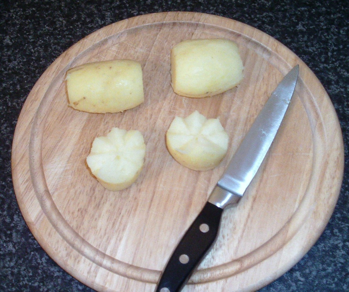 Potatoes are halved in crown shapes