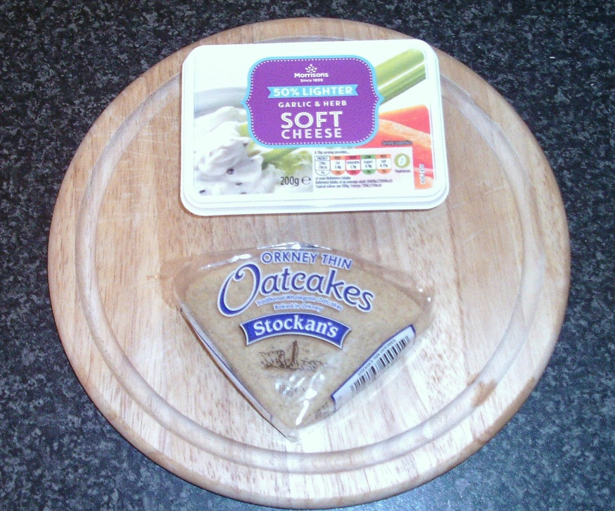Cream cheese and oatcakes