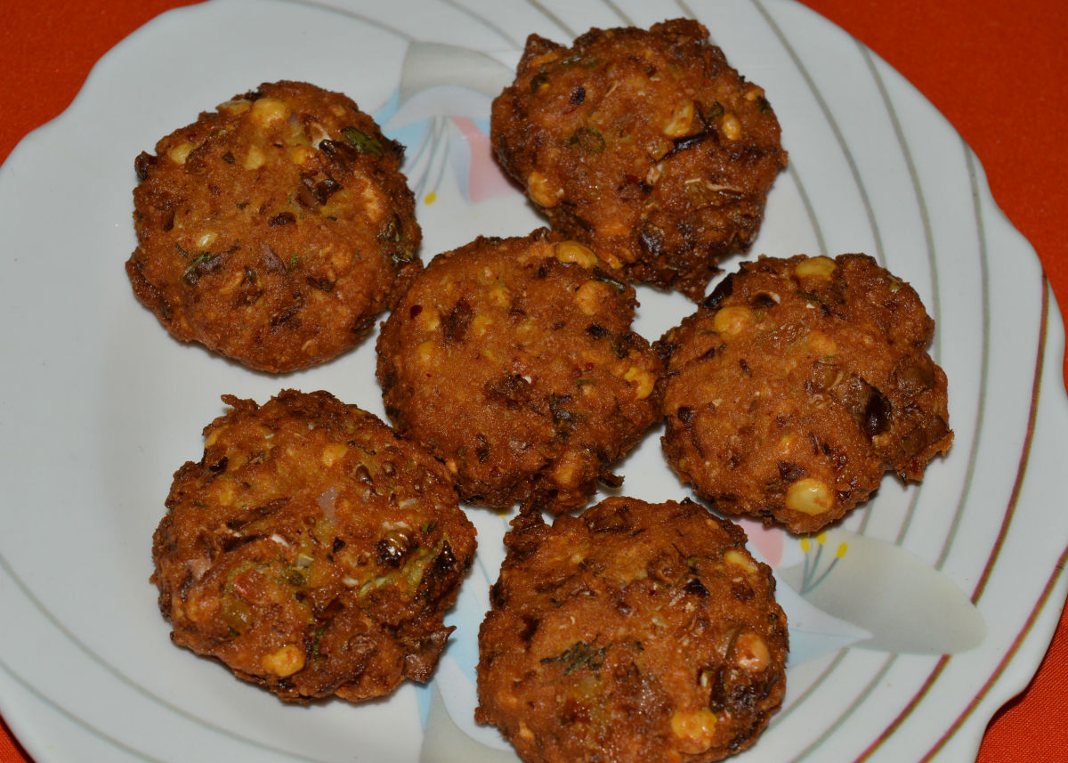Cabbage fritters/Cabbage vada
