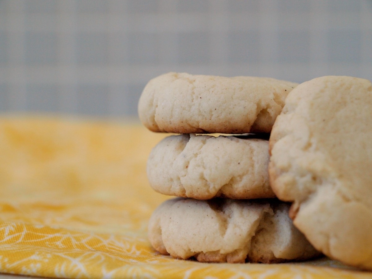 At less than 100 calories for 2 cookies, these Lemon Sugar Cookie Bites are a treat for folks watching their weight.