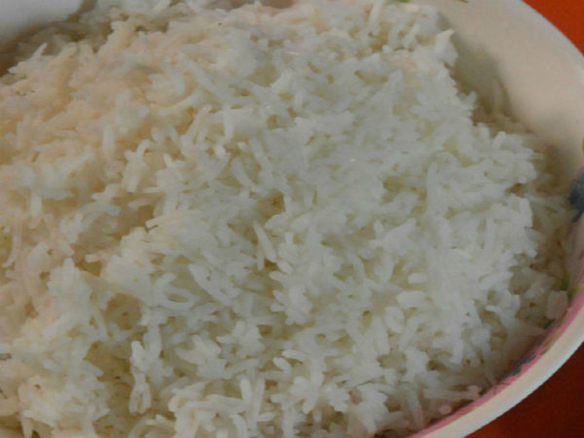 cooked long grain rice