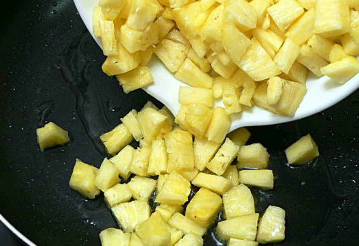cooking pineapple pieces