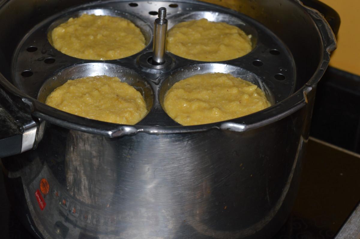 Idli moulds inside the cooker