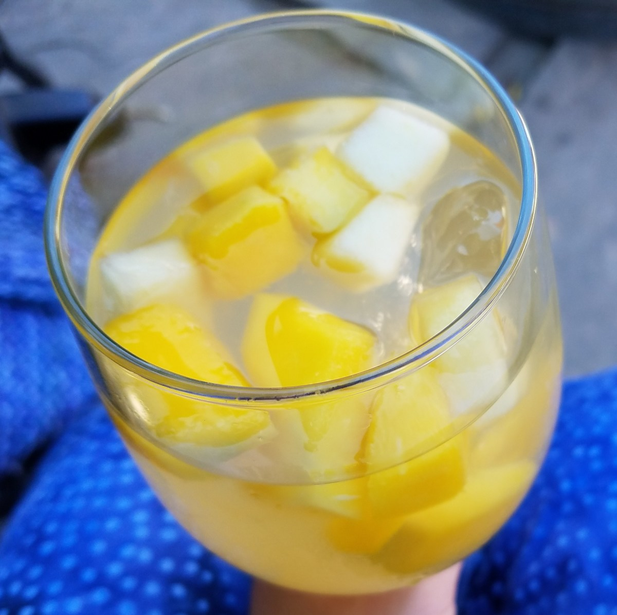Peach white wine sangria