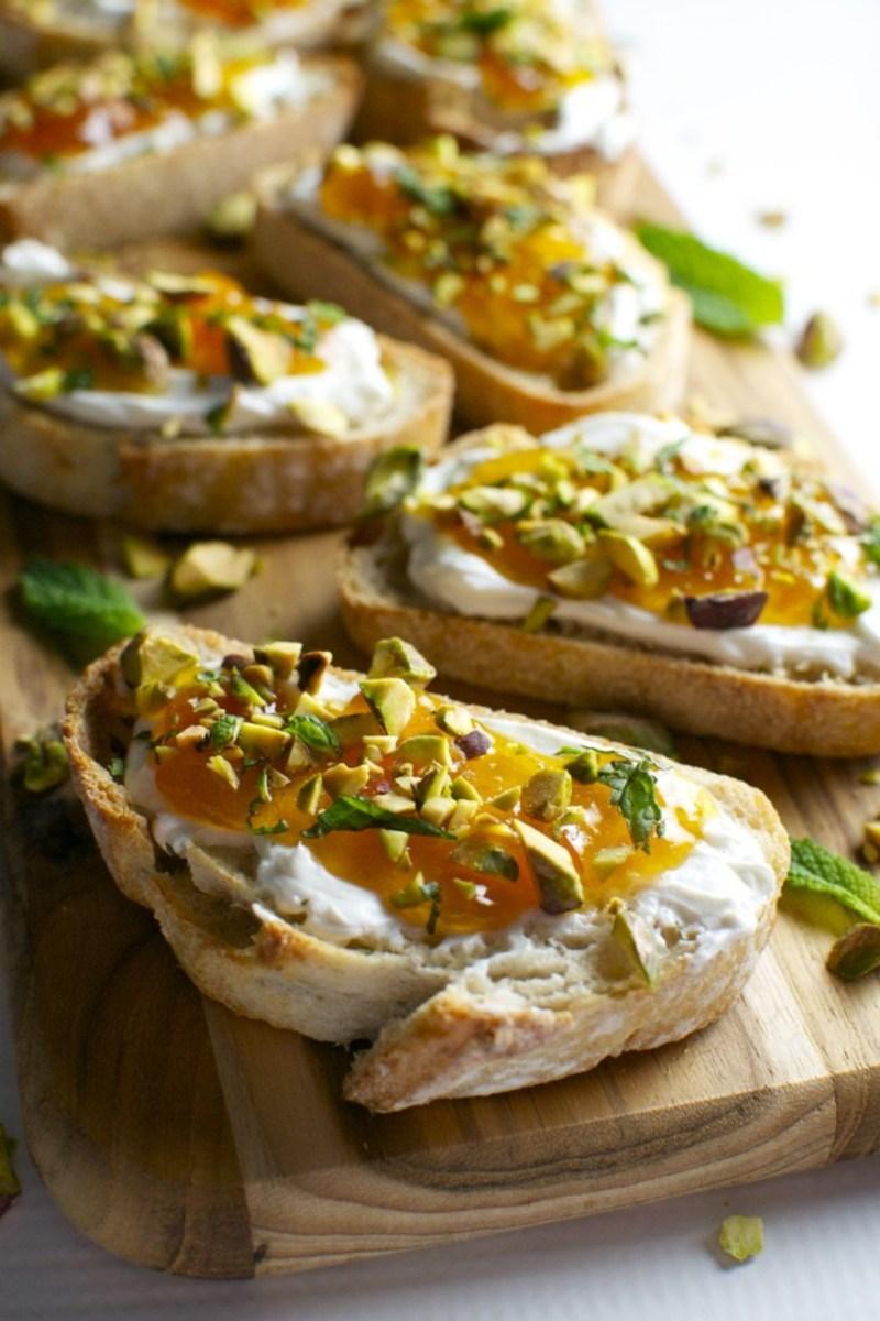 Apricot/goat cheese/pistachio crostini