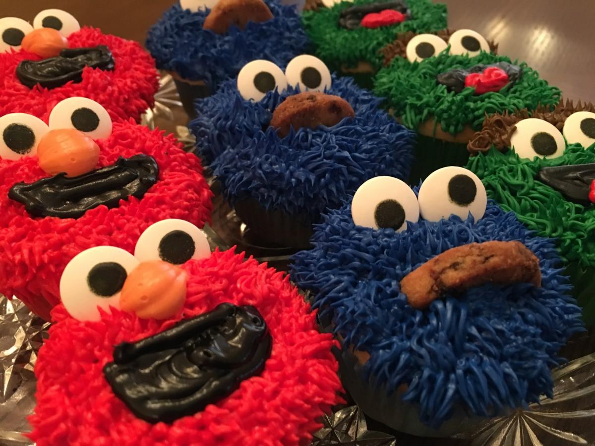 diy-elmo-cupcakes