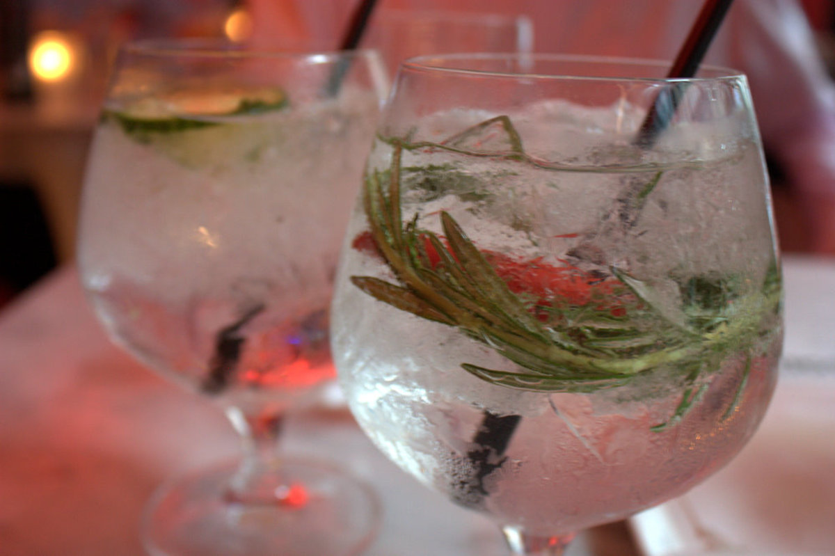 Gin tonic with rosemary and chile