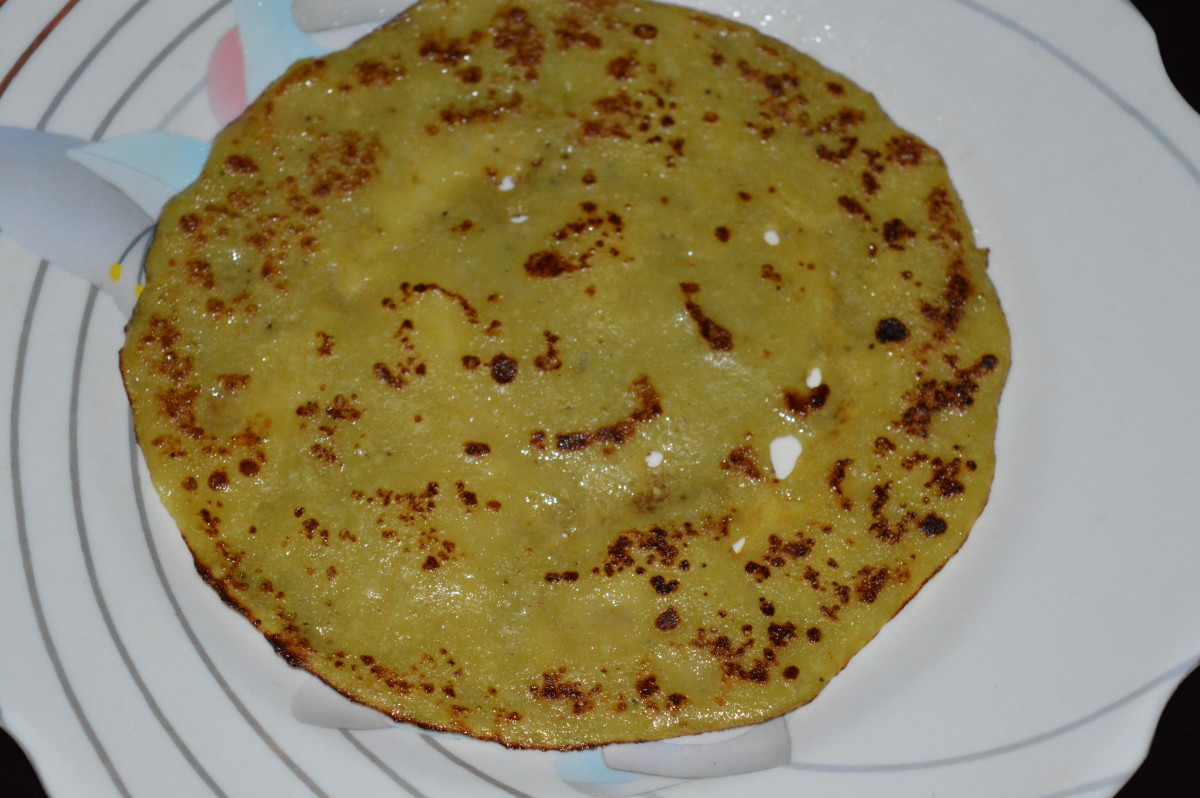 Enjoy eating yellow color banana pancake