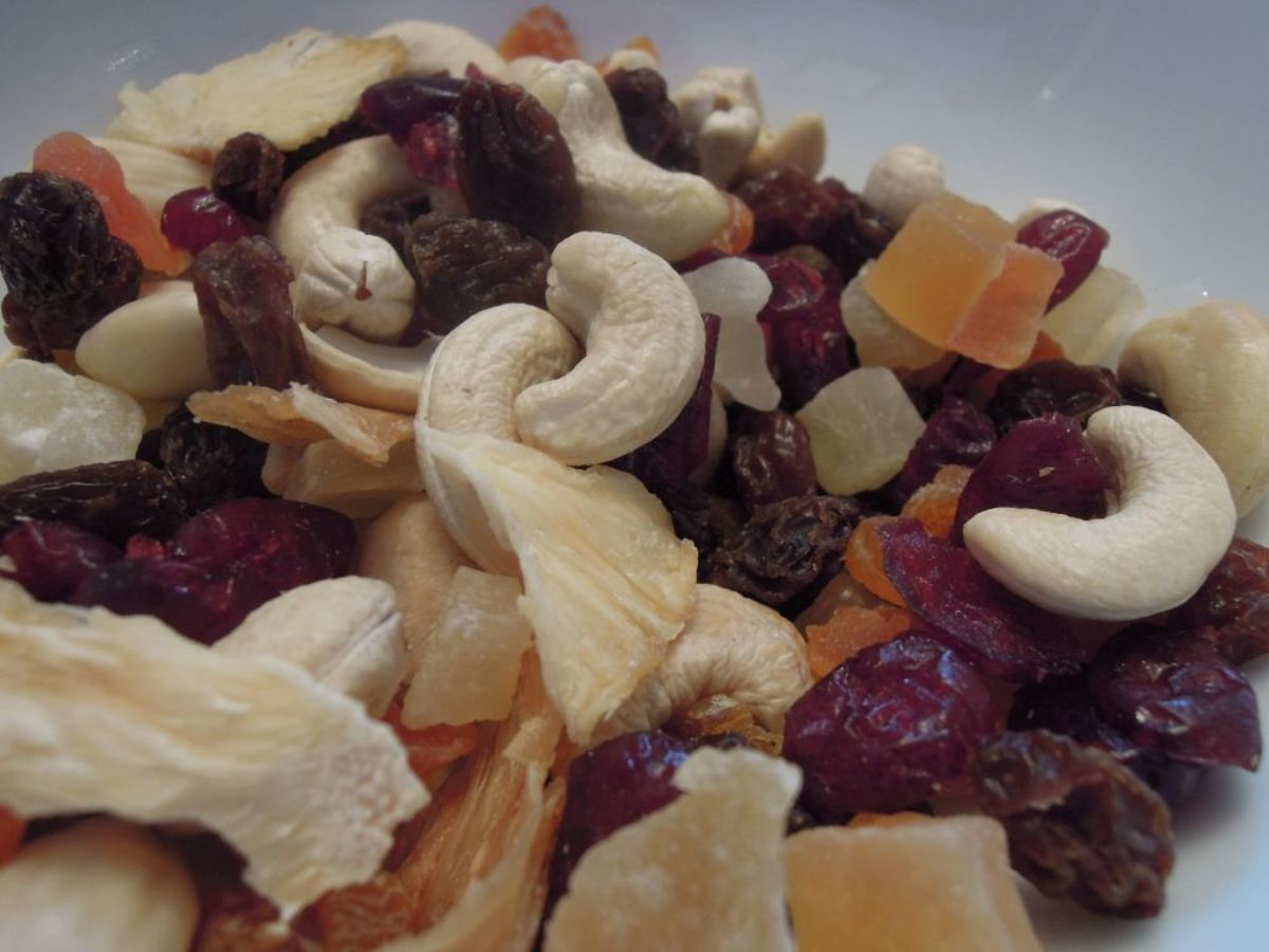 Nuts, seeds and dried fruit can be used to make delicious healthier snacks.