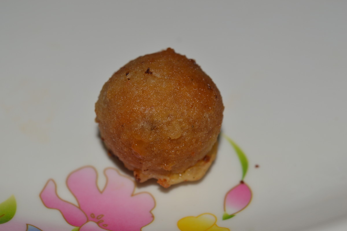 Coconut sweet ball or Sukrunde
