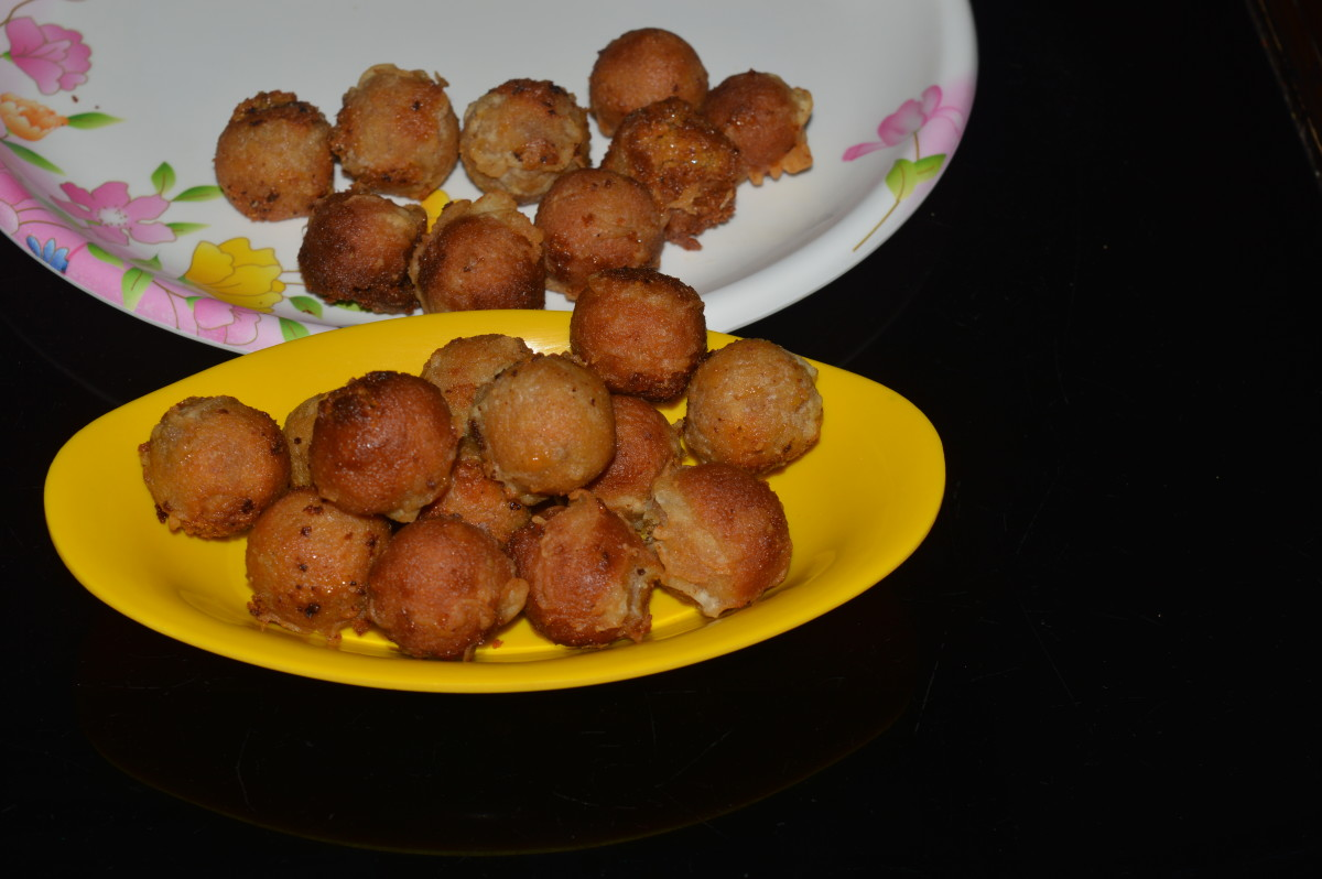 Step eight: coconut-jaggery balls or sukrunde is ready to eat.