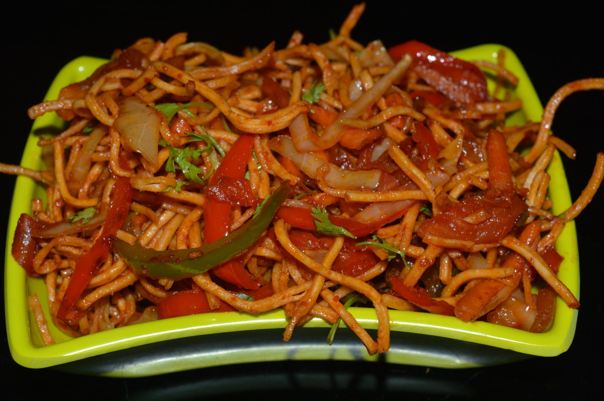 Step ten: Relish eating crunchy, colorful, spicy, and tangy Chinese bhel!