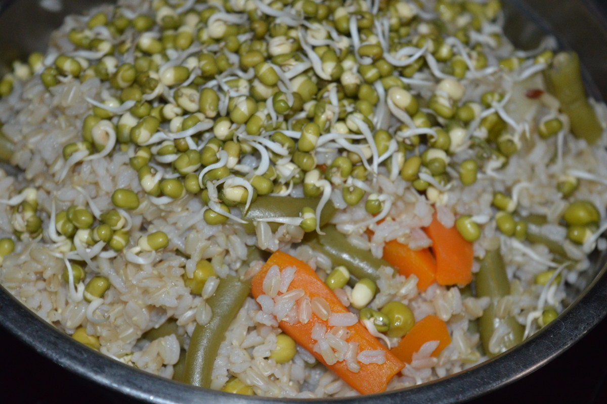 Step one: Cook brown rice, carrot, peas and French beans for 12 minutes in a cooker.  Then add mung bean sprouts.
