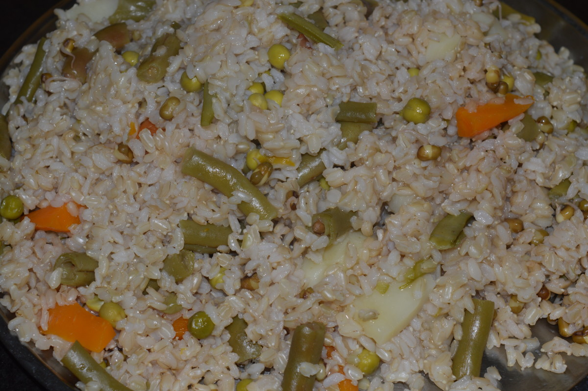 Cooked brown rice, mung bean sprouts, and the veggies.