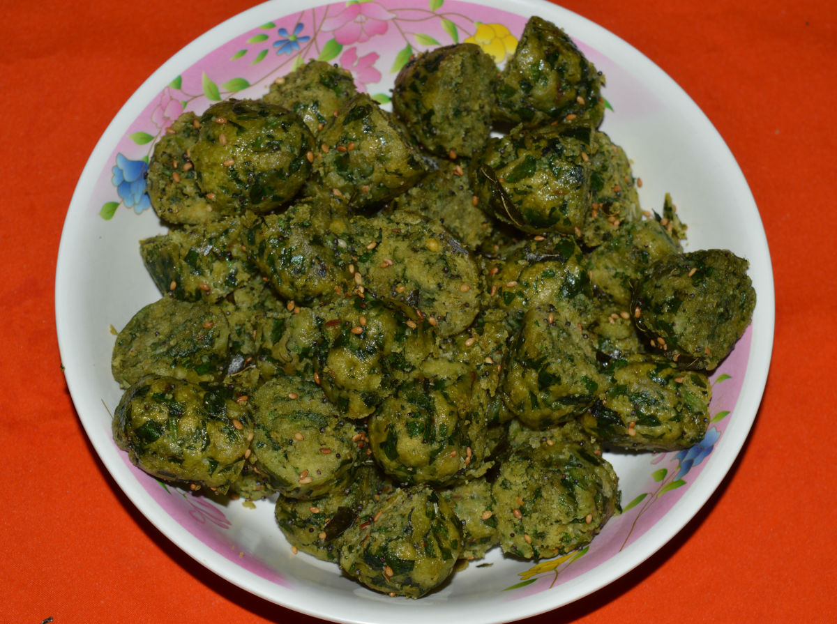 Step six: Spinach and fenugreek leaves muthia is ready to serve!